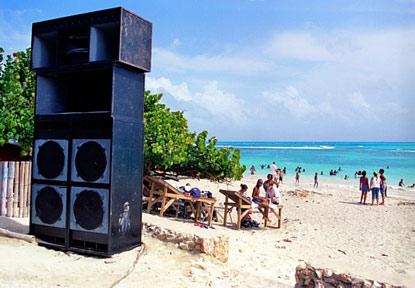 speaker-beach-415x288
